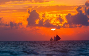Картинка море, небо, солнце, облака, закат, тучи, природа, настроение, парусник, вечер, парусники