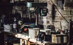 Картинка tools, workshop, mounted Cheeser table