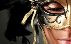 Картинка девушка, лицо, узоры, модель, перья, макияж, маска, ленточки, крупным планом, закрытые глаза