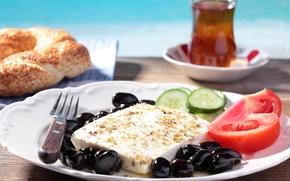 Обои tea, булочка, огурец, bun, сыр, cheese, tomatoes, чай, помидоры, оливки