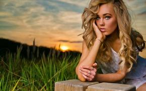 Картинка Girl, Nature, Grass, Beautiful, Model, Blue, Green, Sun, Sunset, Eyes, Blonde, Summer, Face, Lips, Portrait, ...