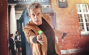 Картинка взгляд, актер, мужчина, школа, пальто, Doctor Who, Доктор Кто, ученицы, звуковая отвертка, sonic screwdriver, Peter …