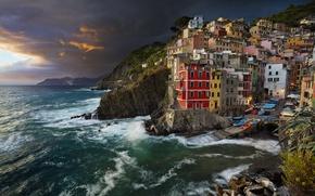 Картинка море, побережье, здания, вечер, Италия, Italy, Лигурийское море, Riomaggiore, Риомаджоре, Cinque Terre, Чинкве-Терре, Лигурия, Liguria, ...