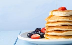Картинка ягоды, еда, черника, клубника, мед, тарелка, блины, ежевика, блинчики, оладьи