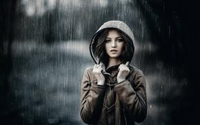 Картинка взгляд, девушка, капли, дождь, модель, кольцо, капюшон, шатенка, красивая, прелесть, погода, beauty, боке, нежная, Serg ...