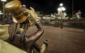 Картинка шляпа, Гуффи, цилиндр, photo, Диснейленд, улица, photographer, Greg Stevenson, парк развлечений, фонари, Disneyland