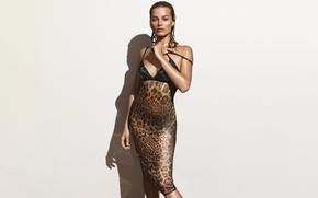 Картинка фон, модель, тень, мокрая, фигура, актриса, стоит, фотосессия, позирует, сексуальная, Vogue, Margot Robbie, Марго Робби, …