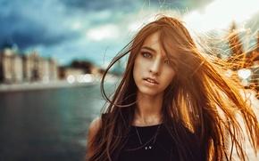 Картинка взгляд, город, волосы, портрет, освещение