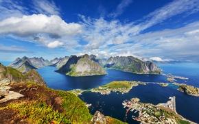 Картинка Лофотенские острова, Lofoten, вид сверху, горы, дома, панорама, побережье, море, Норвегия, острова, облака