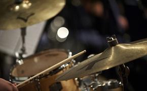 Картинка фокус, джаз, тарелки, барабаны, палочка
