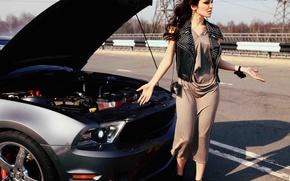 Картинка дорога, авто, девушка, Ford, Девушки, Сати Казанова, разводит руками