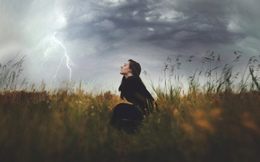 Картинка поле, девушка, стихия, молния, The Storm, шквалистый ветер