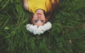 Обои wonderful picture, венок, рыжеволосая, трава