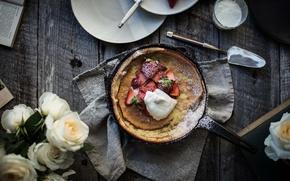 Картинка cream, roses, strawberries, pie