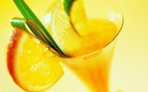 Картинка макро, желтый, лимон, коктель, бокал, апельсин, лайм, напиток, листочек, дольки