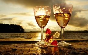 Обои пейзаж, вода, бокалы, солнце, закат