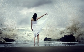 Картинка море, волны, девушка