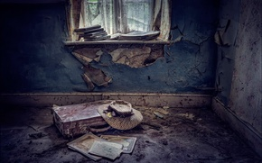 Картинка комната, шляпа, чемодан, Abandoned