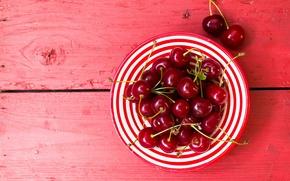 Картинка ягоды, доски, вишня, тарелка