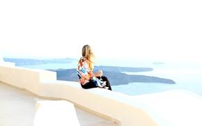 Картинка море, девушка, волосы, бокал, вид, Санторини, шаль