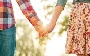 Картинка девушка, солнце, любовь, фон, обои, настроения, женщина, чувства, юбка, размытие, руки, опора, wallpaper, мужчина, girl, …