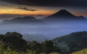 Картинка облака, деревья, горы, Индонезия, Рассвет