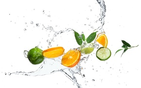 Картинка листики, цитрусы, брызги, дольки, вода, апельсин, лайм, капли