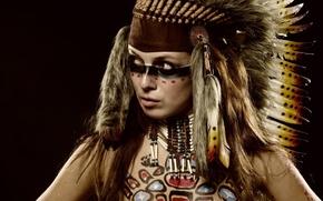 Картинка взгляд, девушка, стиль, перья, раскрас, головной убор