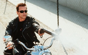 Обои Терминатор 2, мужик, Arnold Schwarzenegger, мотоцикл, актер, дробовик, Judgment Day, Terminator 2, Судный день, The ...