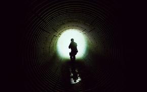 Картинка постер, свет, тоннель, силуэт, спецназовец, круглый, Наёмница, Sicario