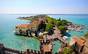 Картинка остров, Италия, панорама, Italy, Ломбардия, Lombardy, озеро Гарда, Сирмионе, Lake Garda, Sirmione