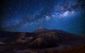 Картинка небо, звезды, ночь, остров, вулкан, Индонезия, Млечный Путь, синее, Бромо, Ява