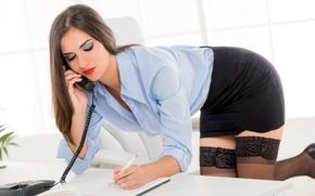 Картинка девушка, лицо, поза, волосы, чулки, ручка, секретарша, запись