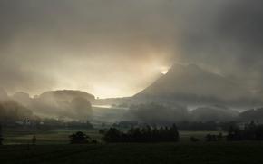 Картинка трава, деревья, горы, туман, поля, дома, поселение