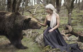 Картинка девушка, ситуация, медведь