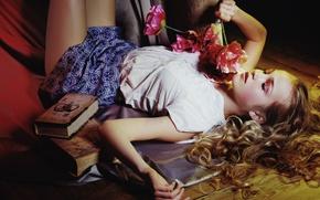Обои настроение, книги, цветы, волосы, девушка