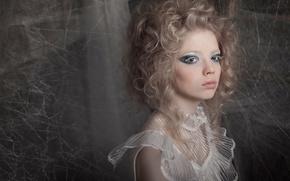 Картинка девушка, паутина, шелкопряд, silkworm
