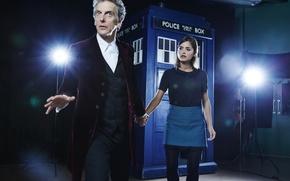 Картинка девушка, актриса, фонари, актер, мужчина, будка, Doctor Who, помещение, Доктор Кто, ТАРДИС, TARDIS, Peter Capaldi, ...