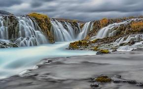 Картинка небо, тучи, река, обрыв, скалы, водопад, поток