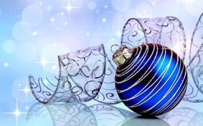 Картинка крупный план, синий, блики, отражение, фон, праздник, игрушка, шар, Новый год, ленточка