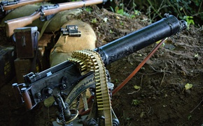 Картинка оружие, пулемёт, окоп, патронная лента