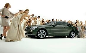 Обои девушки, купе, Mercedes-Bens, E-Class