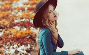 Картинка взгляд, девушка, лицо, стиль, волосы, шляпа, платье, помада, пальто