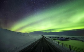 Картинка снег, природа, зима, дорога, северное сияние, ночь, Исландия, небо, звезды