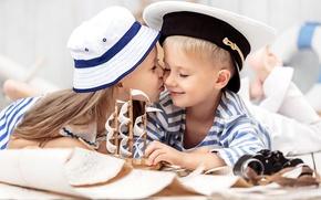Обои дети, поцелуй, шляпа, мальчик, дружба, девочка, girl, кораблик, hat, kiss, boy, boat, children