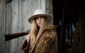 Картинка взгляд, девушка, лицо, шляпа, мех, винтовка, Marta