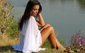 Картинка вода, девушка, природа, берег, брюнетка