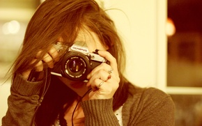 Картинка девушка, кольца, фотоаппарат