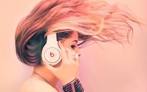 Обои девушка, музыка, волосы, наушники
