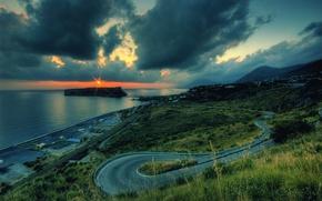 Картинка дорога, море, облака, закат, поворот
